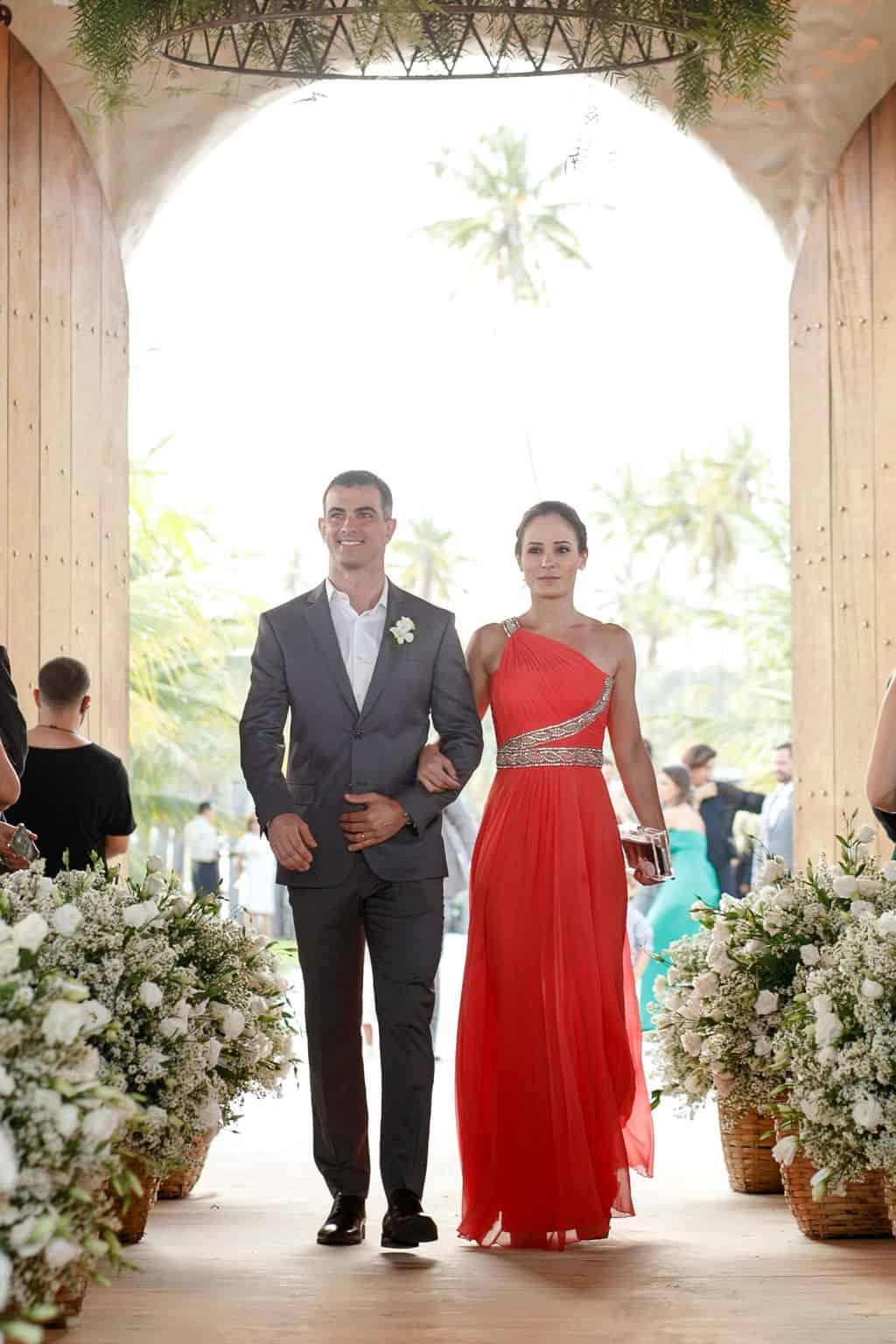 AL-Aline-e-Mauricio-capela-dos-milagres-casamento-casamento-na-praia-cortejo-madrinhas-padrinhos64