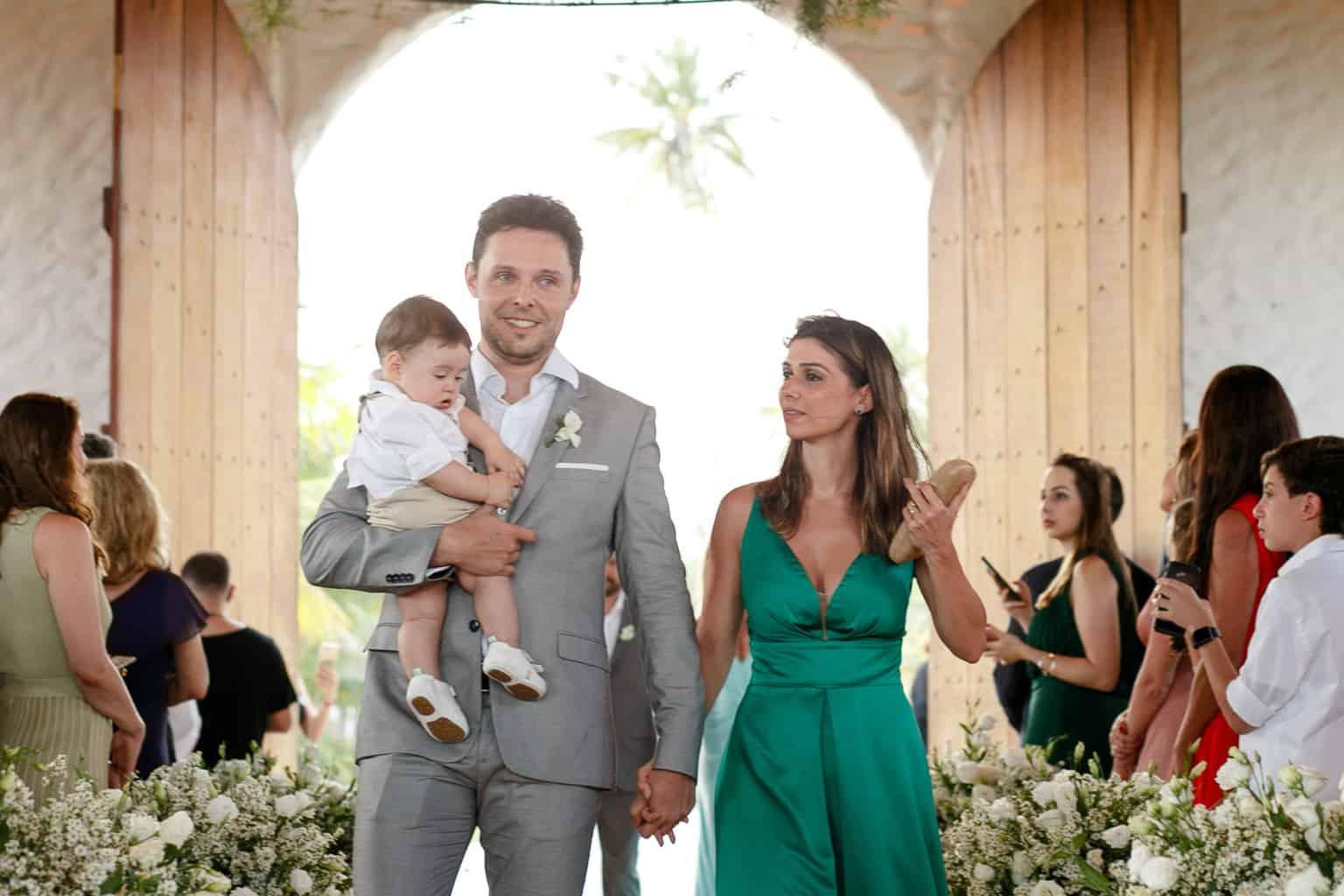 AL-Aline-e-Mauricio-capela-dos-milagres-casamento-casamento-na-praia-cortejo-madrinhas-padrinhos66