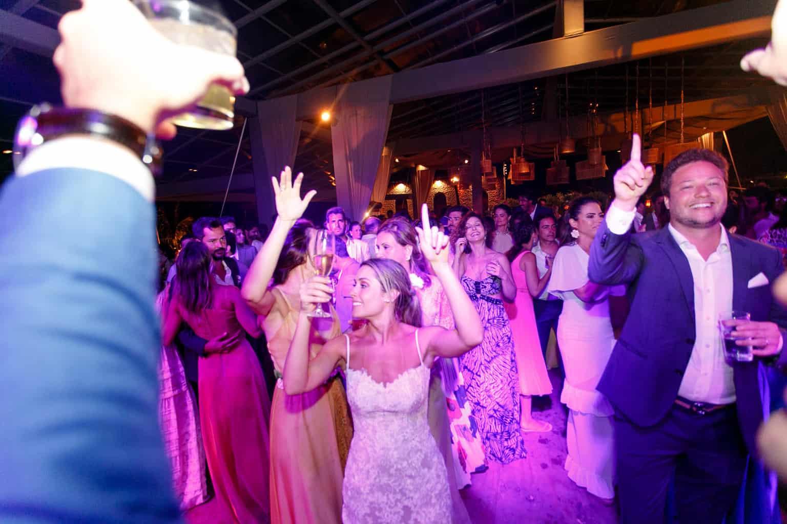 AL-Aline-e-Mauricio-capela-dos-milagres-casamento-casamento-na-praia-festa-de-casamento122