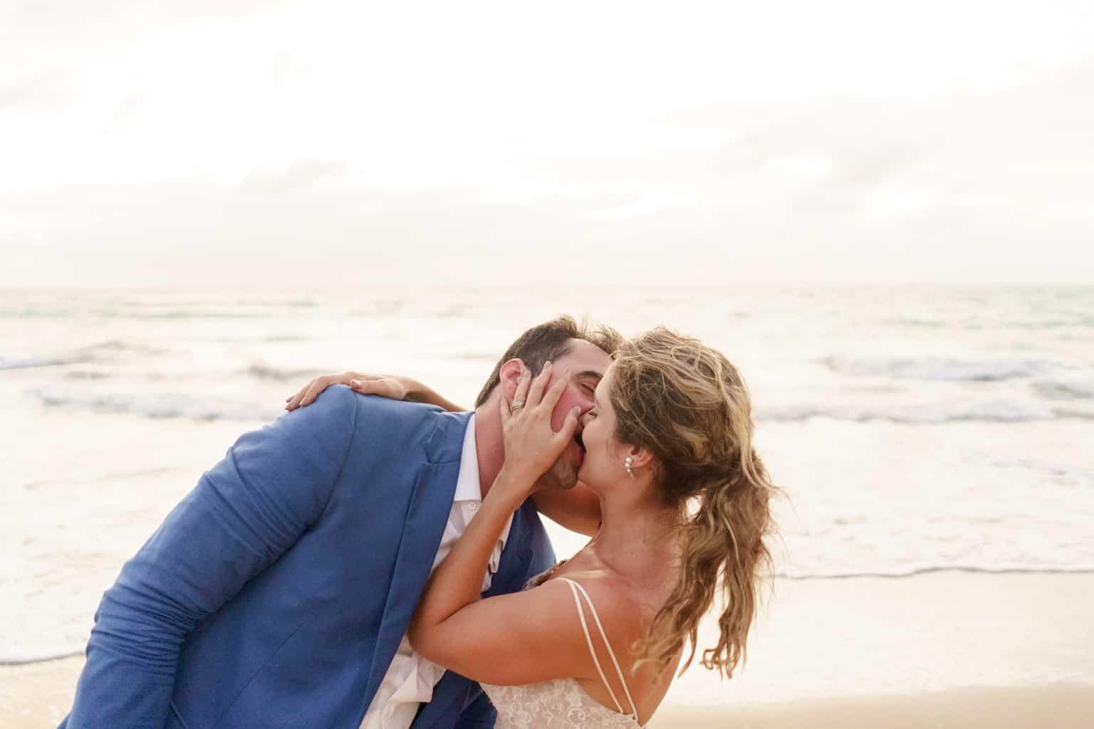 AL-Aline-e-Mauricio-capela-dos-milagres-casamento-casamento-na-praia-foto-na-praia146