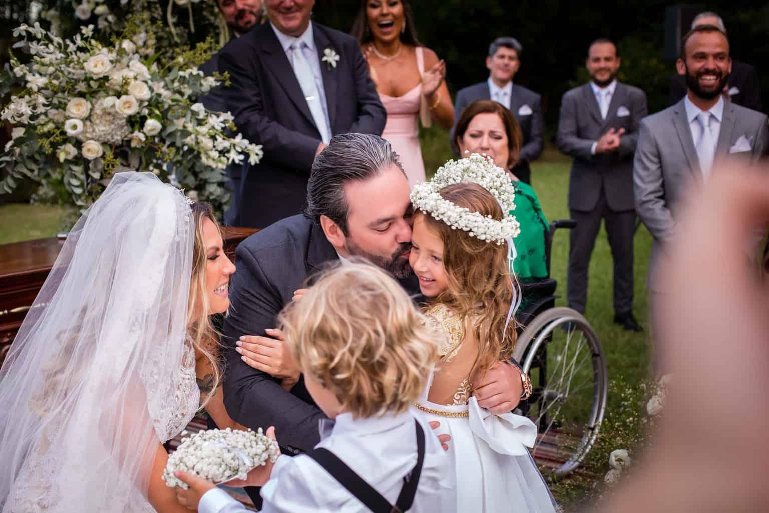 alianças-casamento-Marcela-e-Luciano-damas-daminhas-pajem