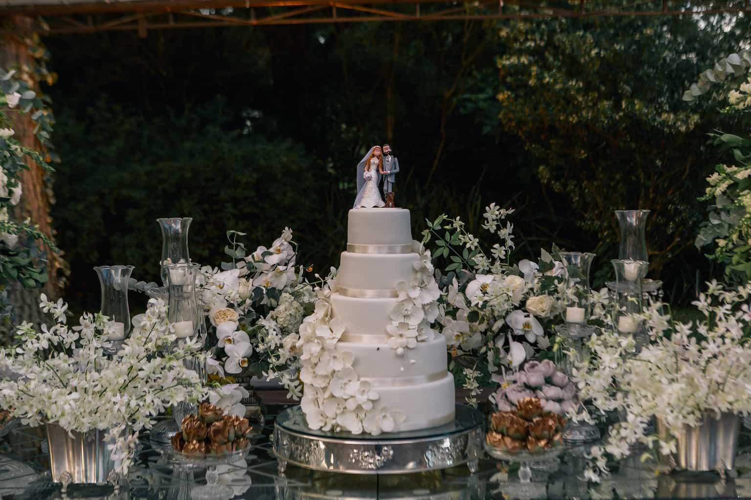 bolo-de-casamento-casamento-Marcela-e-Luciano-decoracao-da-festa10