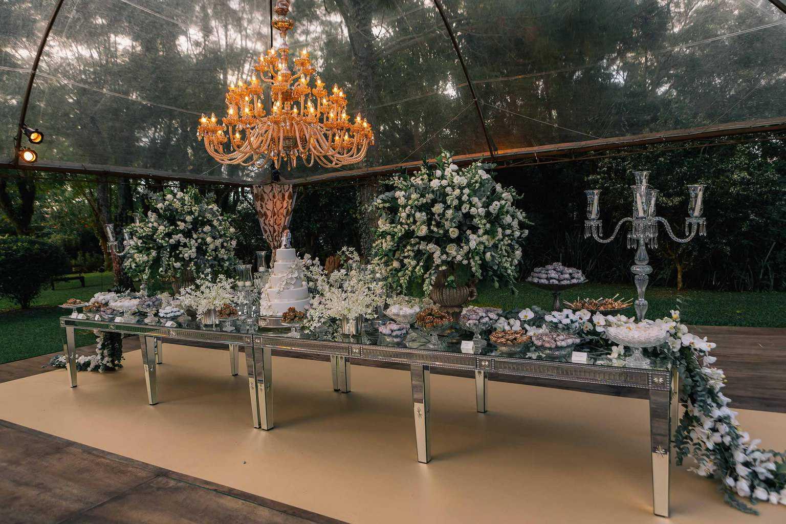 bolo-de-casamento-casamento-Marcela-e-Luciano-decoracao-da-festa4