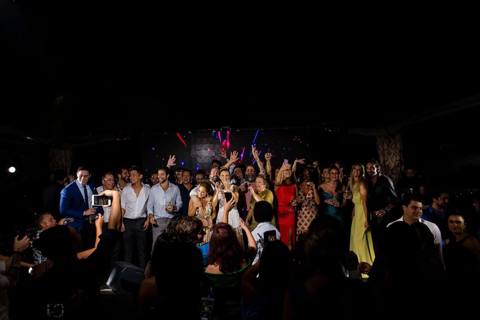 casamento-Marcela-e-Luciano-convidados-festa-de-casamento-foto-dos-noivos-fotografia-Torin-Zanette22