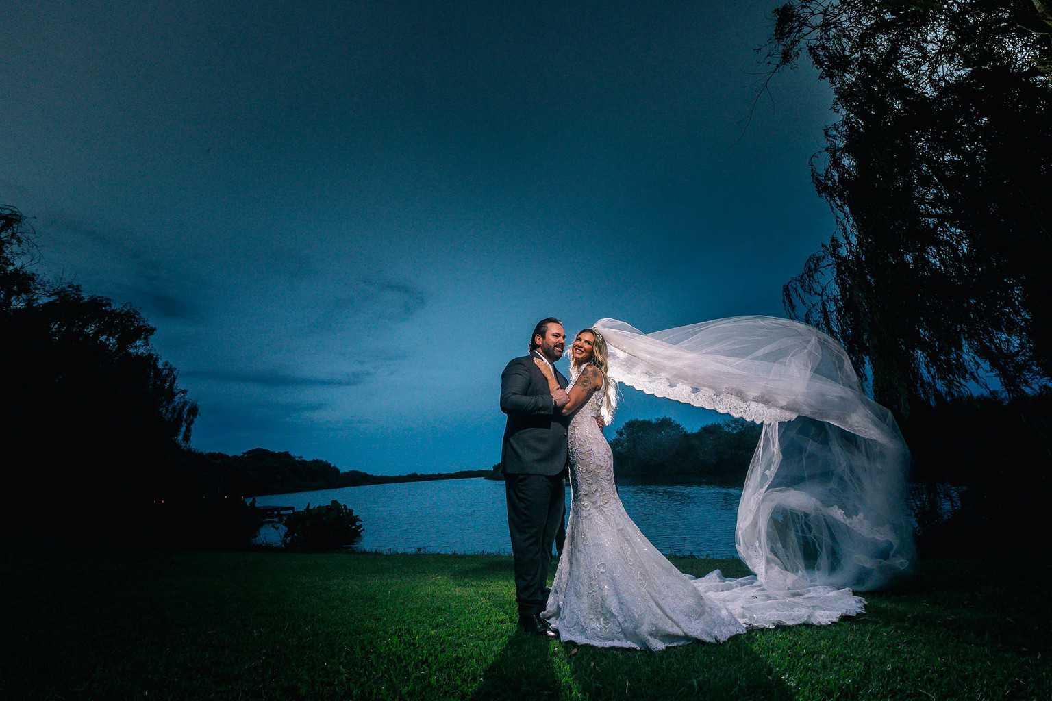 casamento-Marcela-e-Luciano-entardecer-foto-dos-noivos3