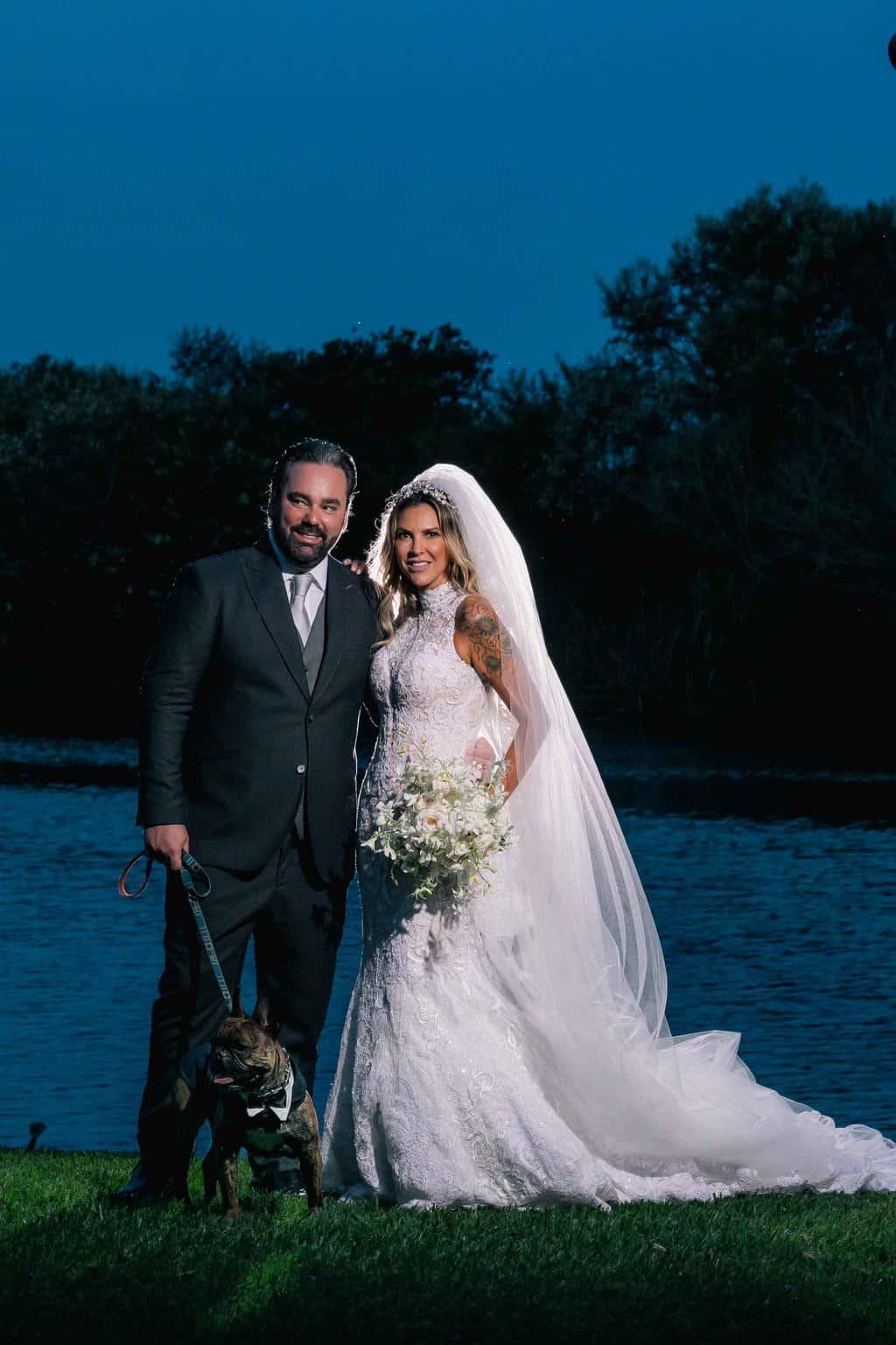casamento-Marcela-e-Luciano-foto-dos-noivos-fotografia-Torin-Zanette-fotos-a-tarde-fotos-dos-noivos-no-altar-noivos-no-altar18