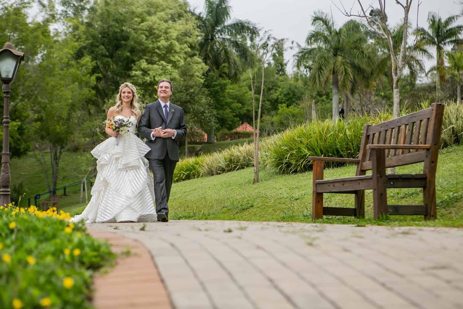 Casamento-Milene-e-Leonardo-cerimonia-ao-ar-livre-decoracao-da-festa-Roberto-Tamer-terras-claras164
