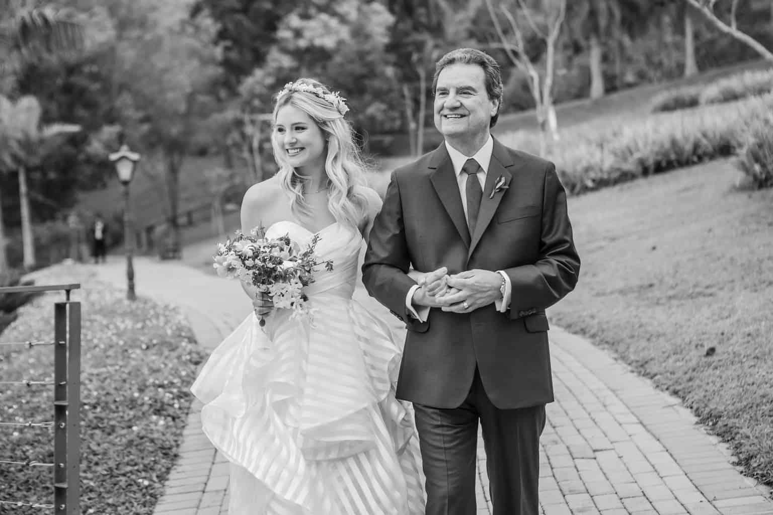 Casamento-Milene-e-Leonardo-cerimonia-ao-ar-livre-decoracao-da-festa-Roberto-Tamer-terras-claras168