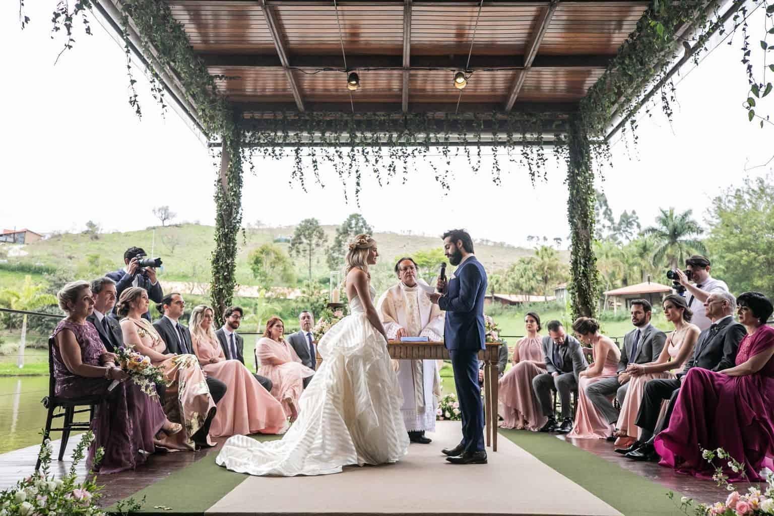 Casamento-Milene-e-Leonardo-cerimonia-ao-ar-livre-decoracao-da-festa-Roberto-Tamer-terras-claras183