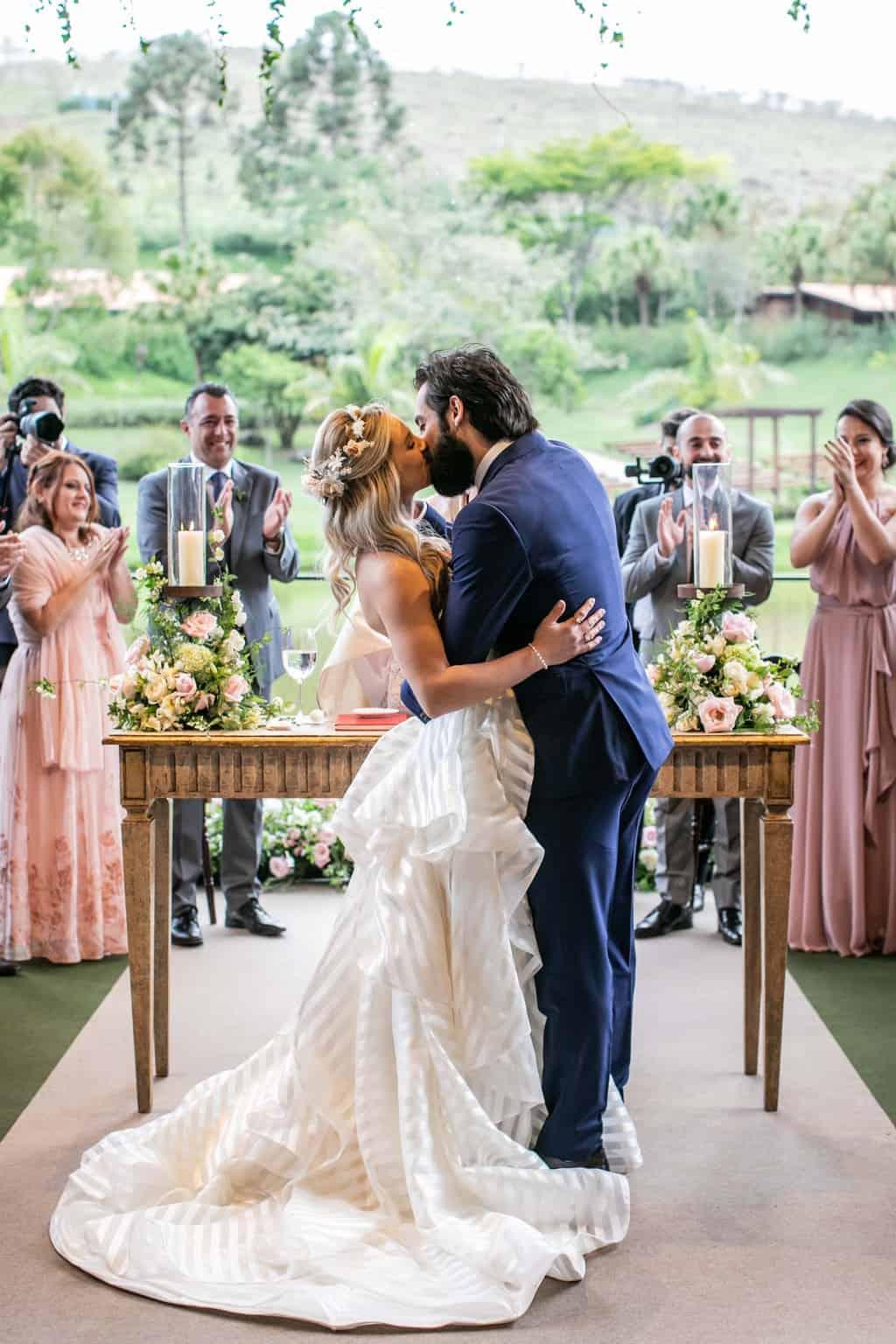 Casamento-Milene-e-Leonardo-cerimonia-ao-ar-livre-decoracao-da-festa-Roberto-Tamer-terras-claras194