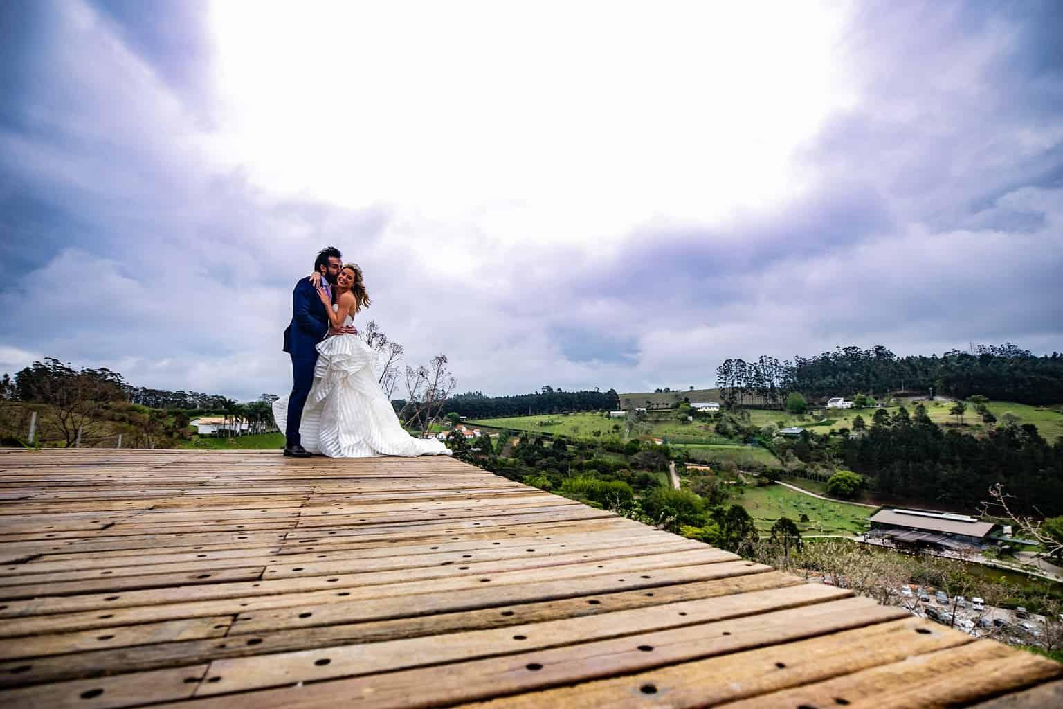 Casamento-Milene-e-Leonardo-decoracao-da-festa-foto-dos-noivos-Roberto-Tamer-terras-claras232