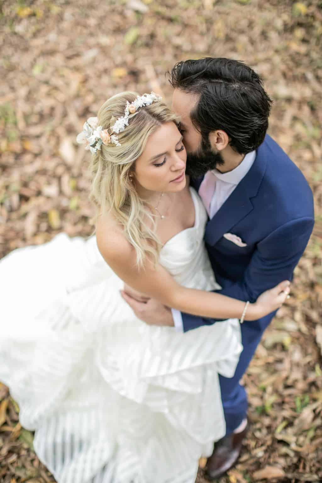 Casamento-Milene-e-Leonardo-decoracao-da-festa-foto-dos-noivos-Roberto-Tamer-terras-claras255