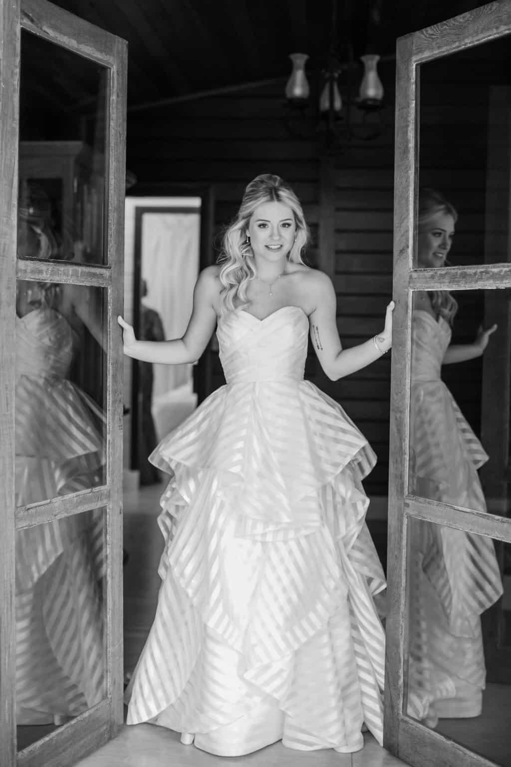 Casamento-Milene-e-Leonardo-decoracao-da-festa-making-of-Roberto-Tamer-terras-claras-vestido-de-noiva104