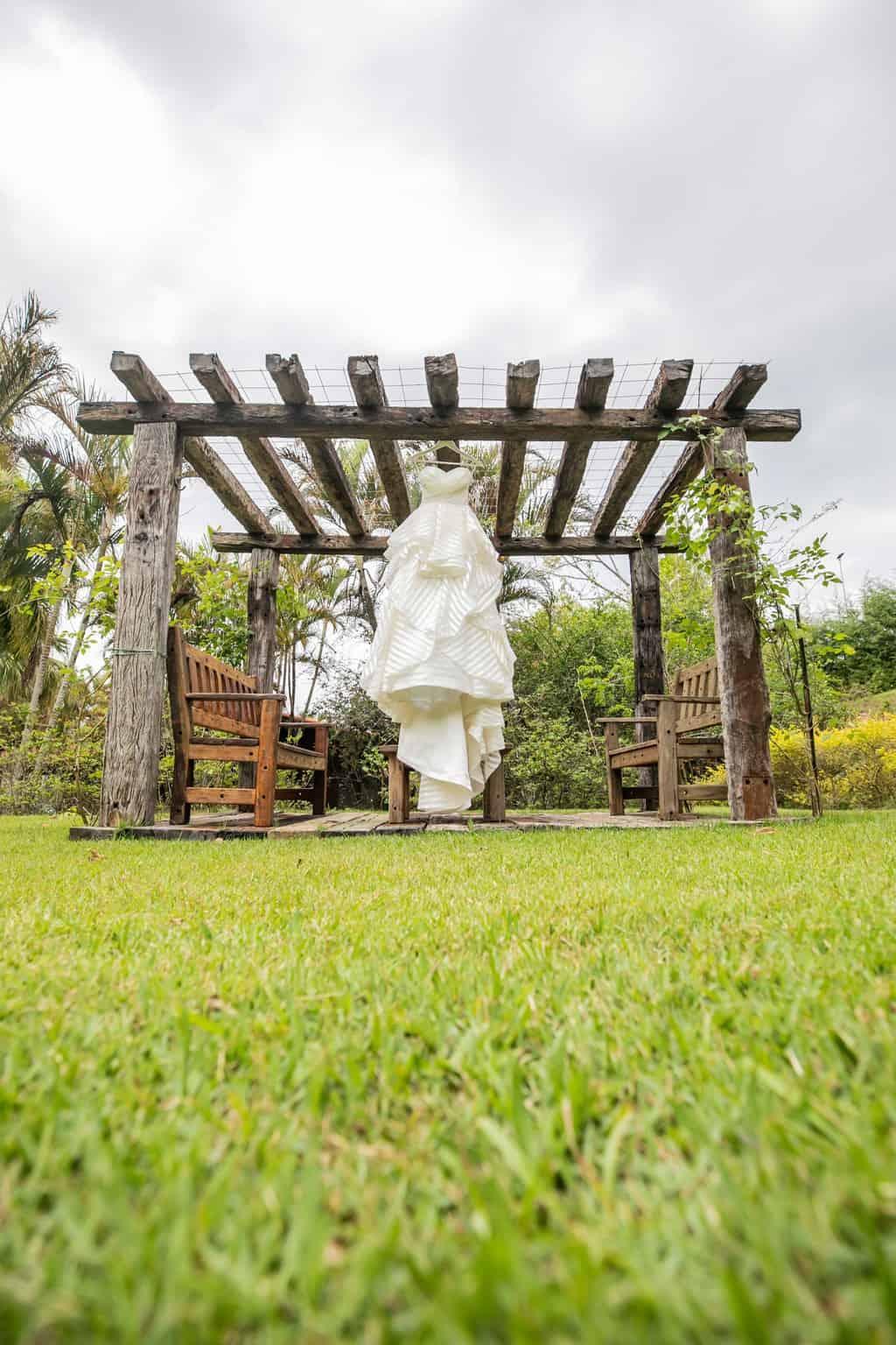 Casamento-Milene-e-Leonardo-making-of-Roberto-Tamer-terras-claras-vestido-de-noiva2