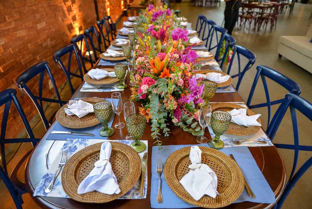 casamento-Aline-e-Rafael-casamento-na-Fazenda-Santa-Barbara-decoracao-colorida-decoracao-da-festa-fotografia-Manuk-mise-en-place5