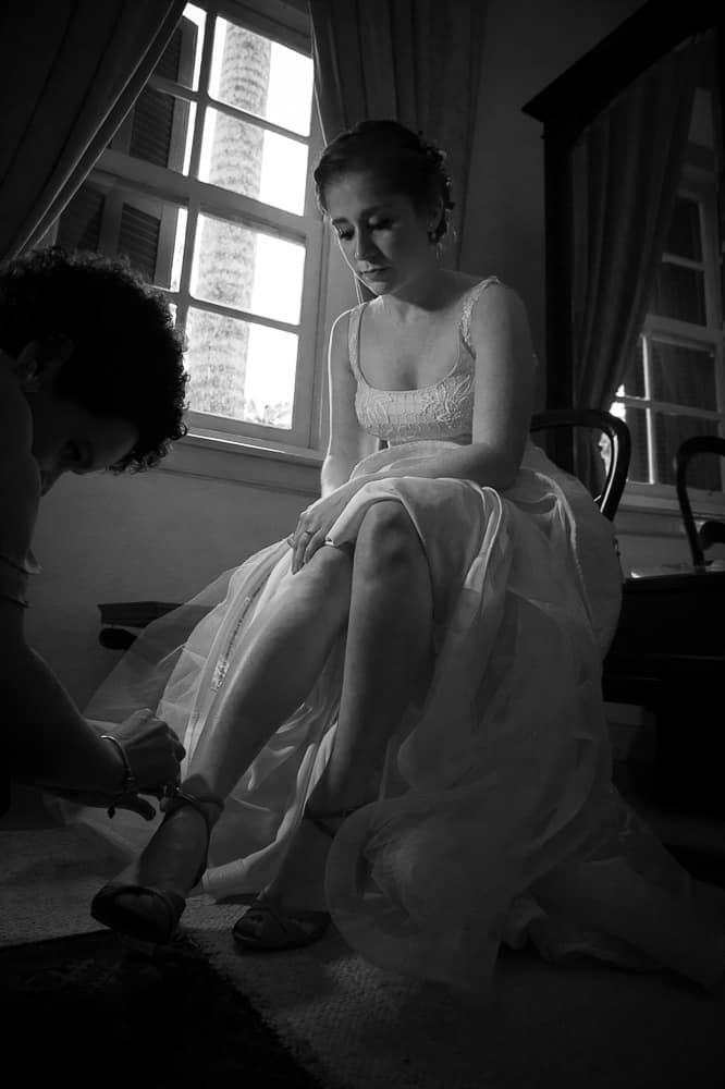 casamento-Aline-e-Rafael-casamento-na-Fazenda-Santa-Barbara-fotografia-Manuk-making-of-vestido-de-noiva30