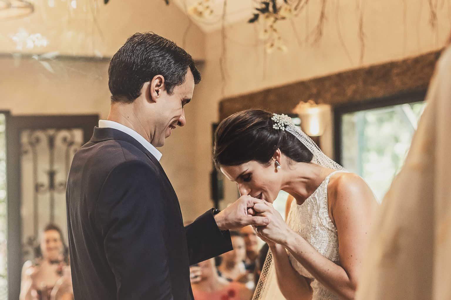 casamento-Ana-Cecilia-e-Leonardo-casamento-na-serra-cerimonia-graviola-filmes-graviolafilmes-laura-camapnella-de-siervi-lauracampanella-studio-laura-camapnella24