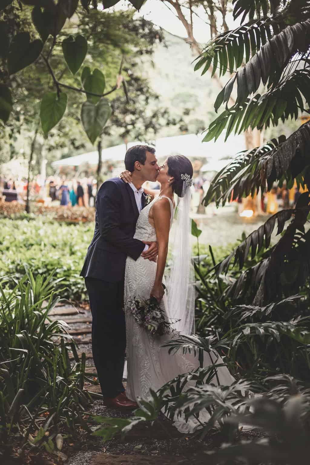 casamento-Ana-Cecilia-e-Leonardo-casamento-na-serra-foto-dos-noivos-graviola-filmes-graviolafilmes-laura-camapnella-de-siervi-lauracampanella-studio-laura-camapnella2