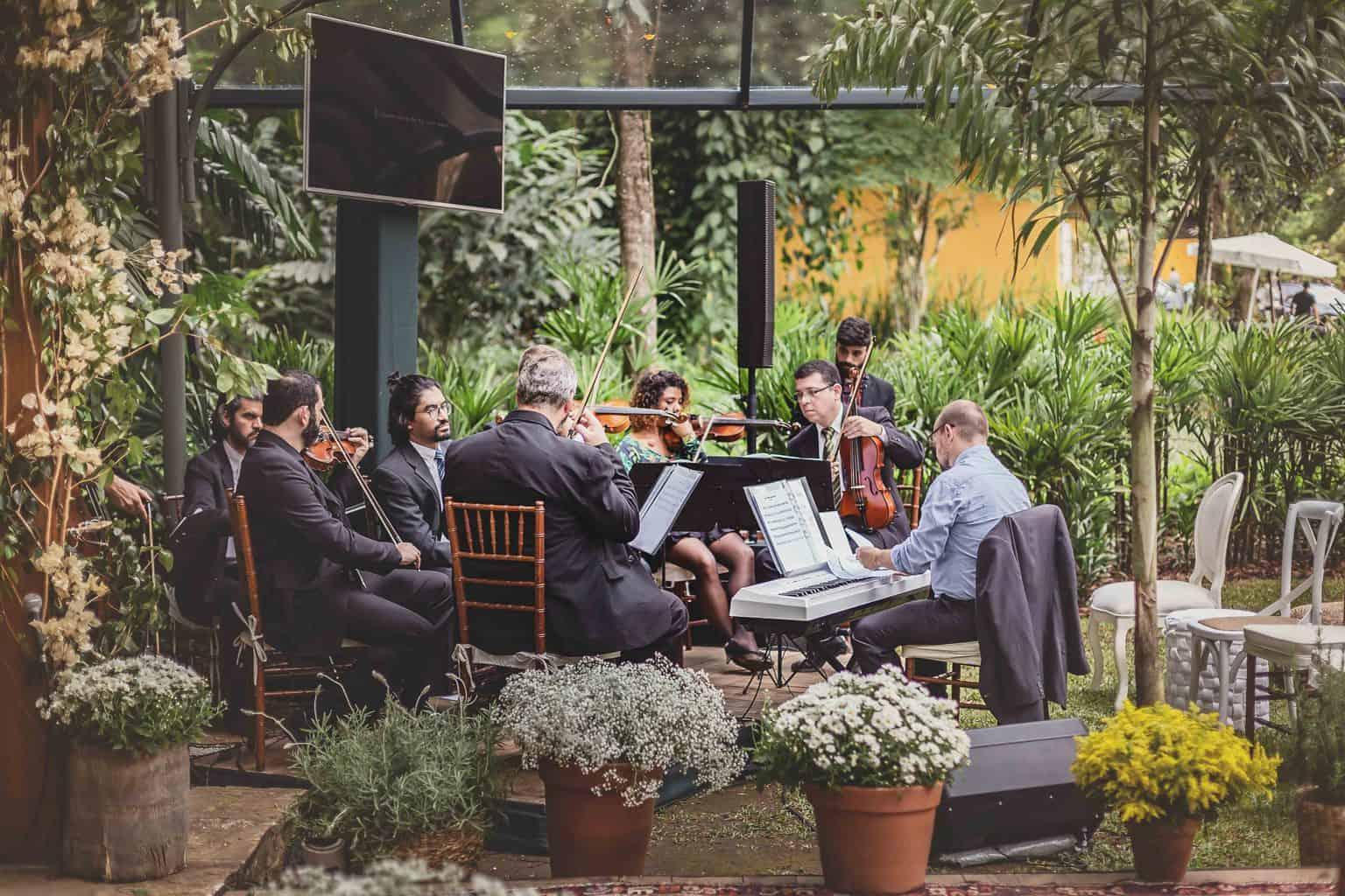 casamento-Ana-Cecilia-e-Leonardo-casamento-na-serra-graviola-filmes-graviolafilmes-laura-camapnella-de-siervi-lauracampanella-musica-cerimonia-orquestra-studio-laura-camapnella1