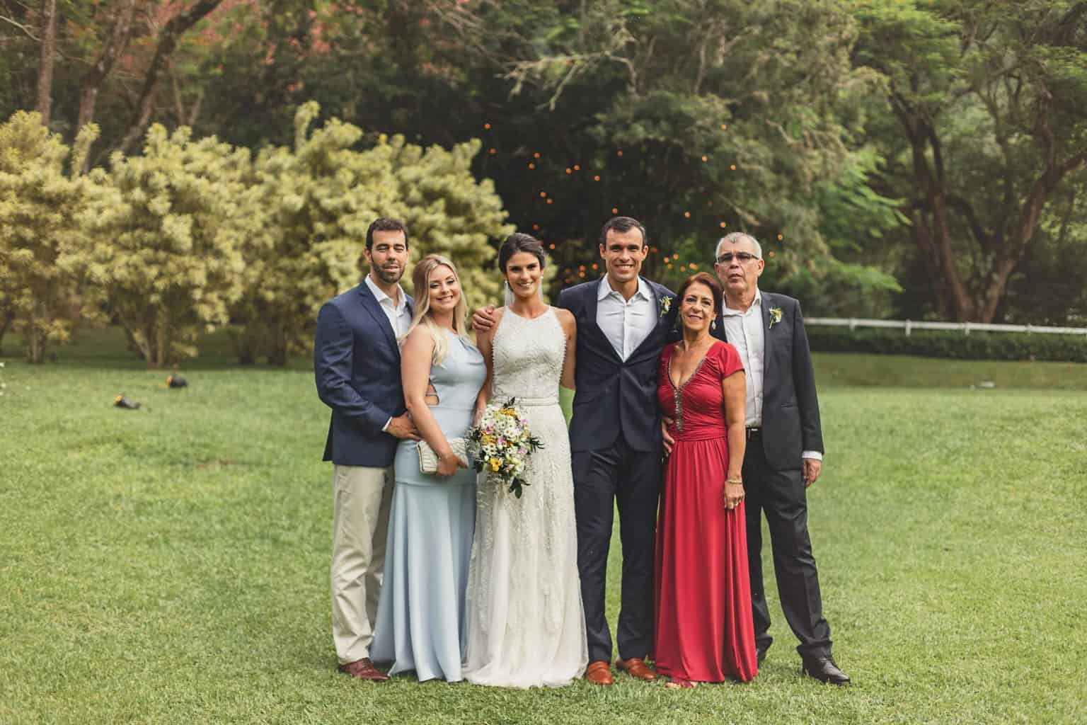 casamento-Ana-Cecilia-e-Leonardo-casamento-na-serra-graviola-filmes-graviolafilmes-laura-camapnella-de-siervi-lauracampanella-pais-dos-noivos-studio-laura-camapnella5