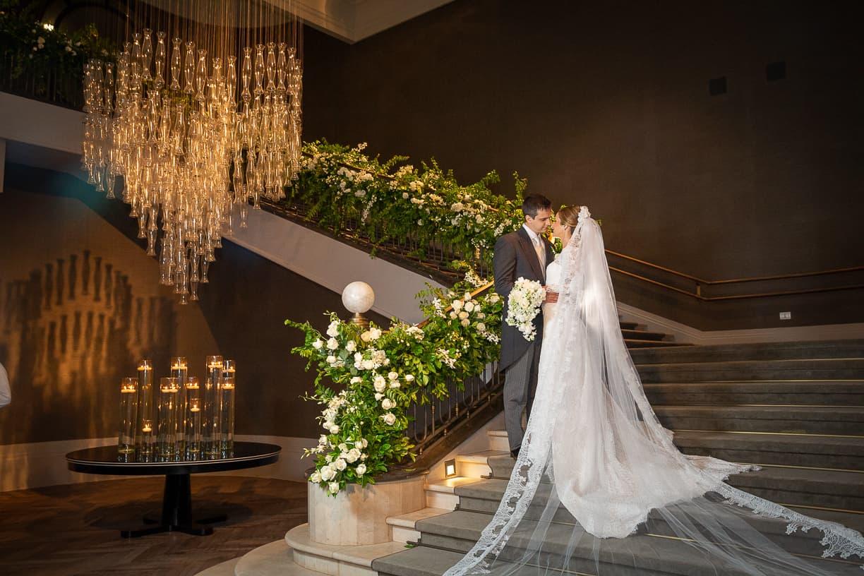 Casamento-Fernanda-e-André-foto-dos-noivos-fotografia-Cissa-Sannomiya-Paróquia-Nossa-Senhora-do-Brasil-e-Palácio-Tangará68