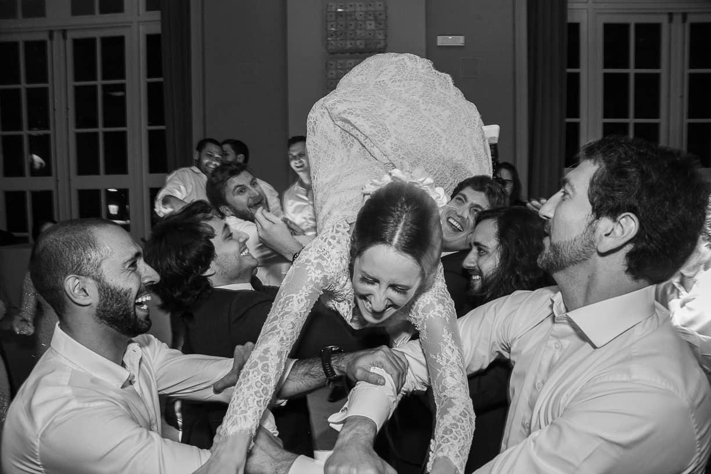 Casamento-Fernanda-e-André-fotografia-Cissa-Sannomiya-Paróquia-Nossa-Senhora-do-Brasil-e-Palácio-Tangará-pista111-1