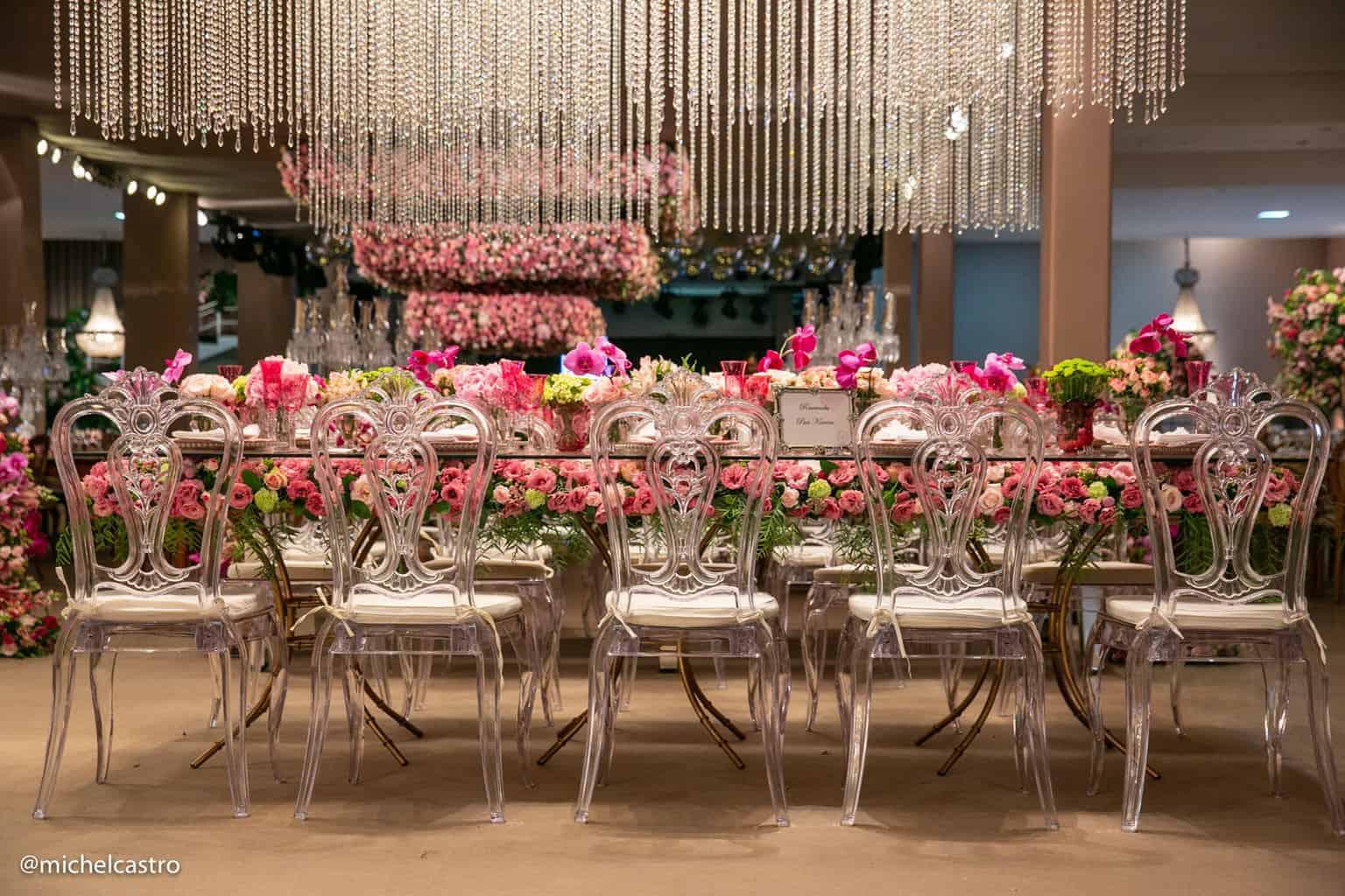 Casamento-Karina-e-Lucas-decoracao-clássica-decoracao-rosa-espaço-cyelo-lustres-Michel-Castro11