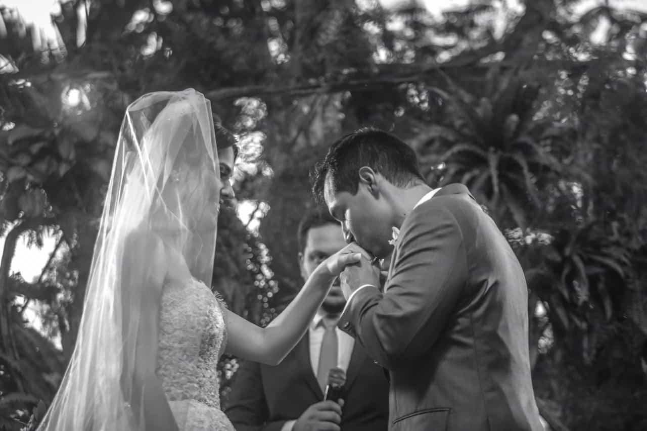 Casamento-Raquel-e-Hugo-cerimonia-ao-ar-livre-foto-dos-noivos-Ricardo-Nascimento-Usina-Dois-Irmaos5