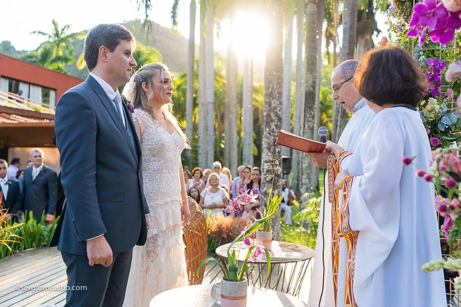 Casamento-Roberta-e-Angelo-cerimonia-no-jardim-Lago-Buriti-Sérgio-Ronaldo137