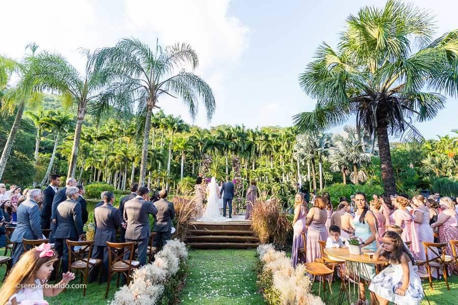 Casamento-Roberta-e-Angelo-cerimonia-no-jardim-Lago-Buriti-Sérgio-Ronaldo140