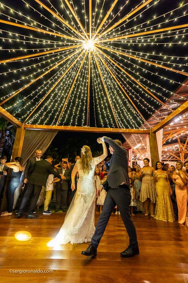 Casamento-Roberta-e-Angelo-danca-do-casal-Lago-Buriti-Sérgio-Ronaldo242