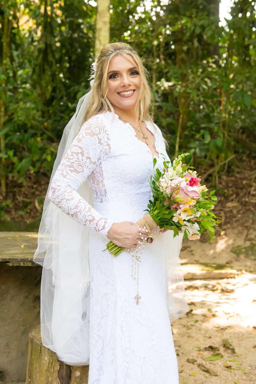 beleza-da-noiva-casamento-religioso-Casamento-Roberta-e-Angelo-Danielle-Loureiro60