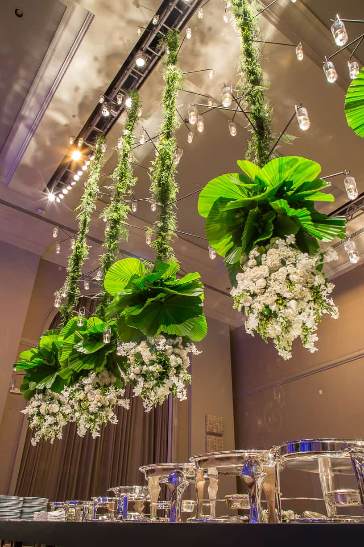 branco-e-verde-Casamento-Fernanda-e-André-decoracao-da-festa-fotografia-Cissa-Sannomiya-Paróquia-Nossa-Senhora-do-Brasil-e-Palácio-Tangará57