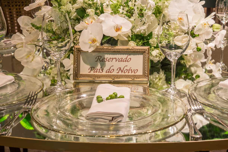 branco-e-verde-Casamento-Fernanda-e-André-decoracao-da-festa-fotografia-Cissa-Sannomiya-mise-en-place-Paróquia-Nossa-Senhora-do-Brasil-e-Palácio-Tangará58