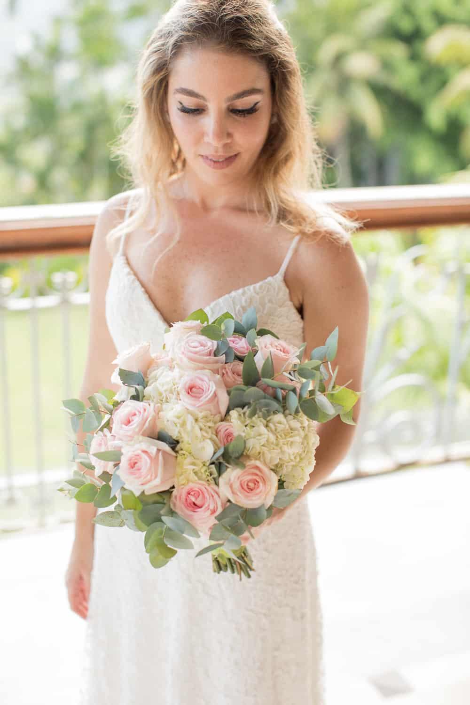 buque-Casa-Capuri-casamento-Roberta-e-Rodrigo-making-of-Rodrigo-Sack-vestido-de-noiva107