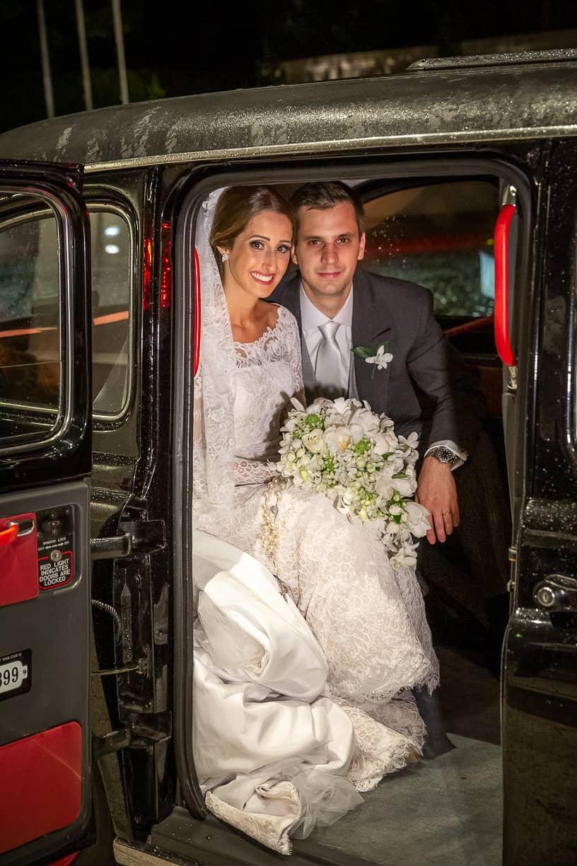 carro-da-noiva-Casamento-Fernanda-e-André-fotografia-Cissa-Sannomiya-Paróquia-Nossa-Senhora-do-Brasil-e-Palácio-Tangará60