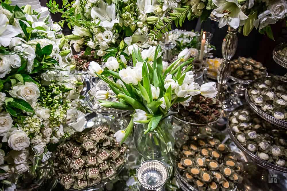 casamento-Bárbara-e-Rogério-Contemporâneo-8076-decoracao-da-festa-fotografia-Edu-Federice-mesa-de-doces8