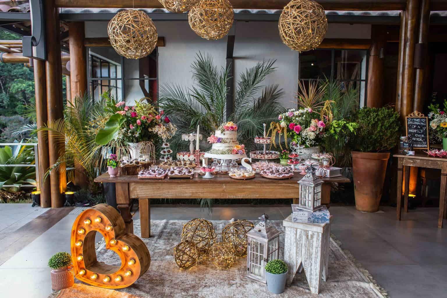 Casamento-Juliana-e-Sebastian-decoracao-decoracao-rustica-mesa-de-doces-Pousada-La-Belle-Bruna15