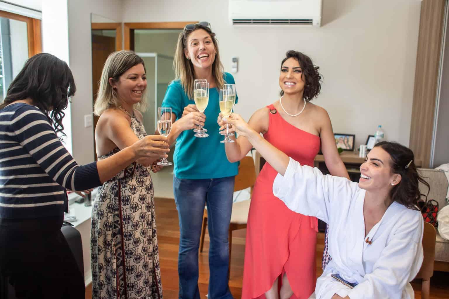 Casamento-Juliana-e-Sebastian-madrinhas-making-of-Pousada-La-Belle-Bruna13