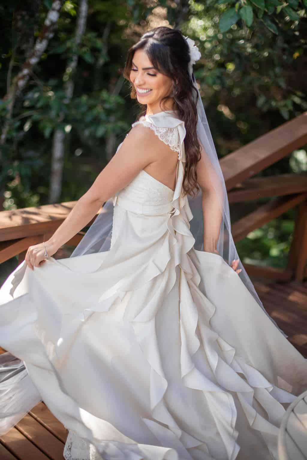 beleza-da-noiva-Casamento-Juliana-e-Sebastian-making-of-Pousada-La-Belle-Bruna-vestido-de-noiva107-1