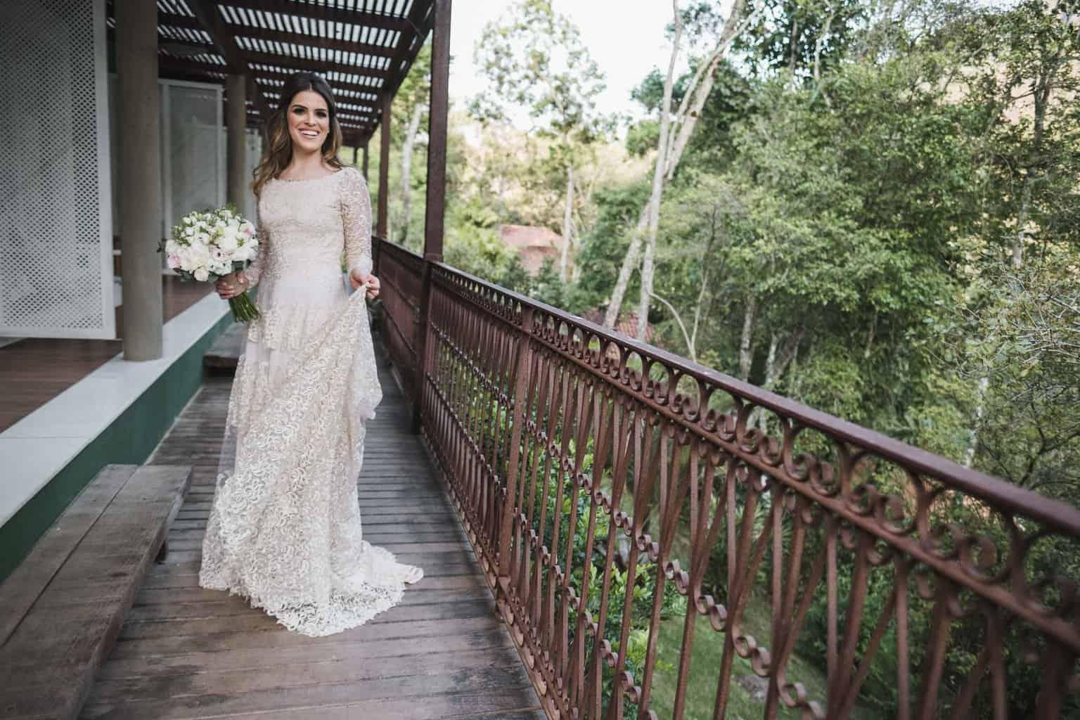 beleza-da-noiva-casamento-na-serra-Fotografia-Renata-Xavier-Les-Amies-Cerimonial-Locanda-Della-Mimosa-Natalia-e-Bruno-vestido-de-noiva305