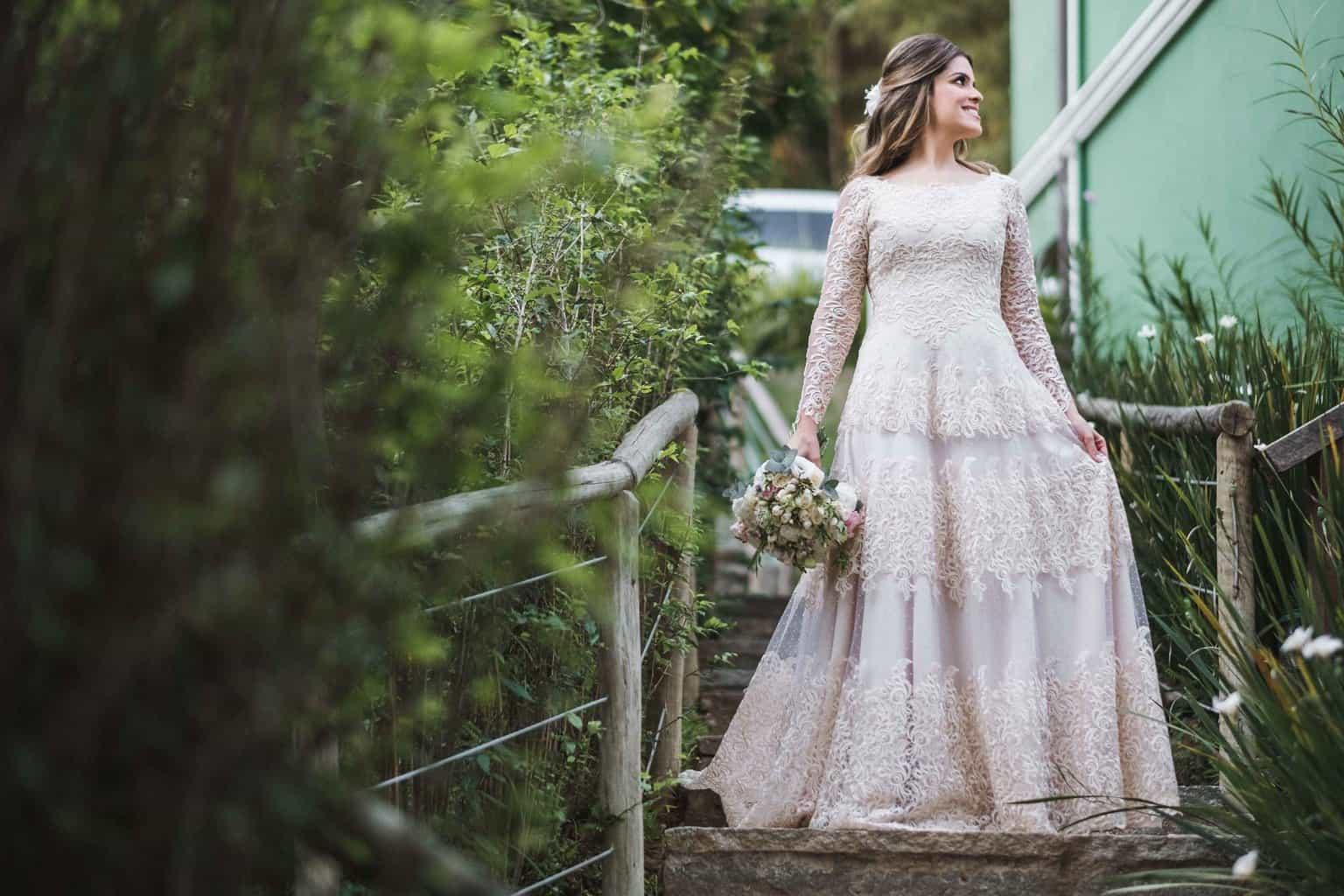 beleza-da-noiva-casamento-na-serra-Fotografia-Renata-Xavier-Les-Amies-Cerimonial-Locanda-Della-Mimosa-Natalia-e-Bruno-vestido-de-noiva331