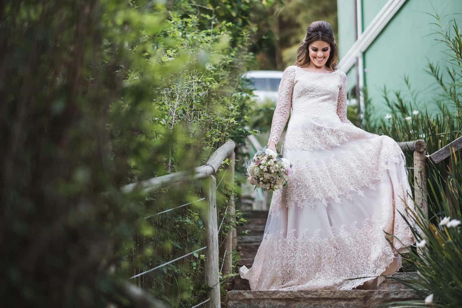 beleza-da-noiva-casamento-na-serra-Fotografia-Renata-Xavier-Les-Amies-Cerimonial-Locanda-Della-Mimosa-Natalia-e-Bruno-vestido-de-noiva335