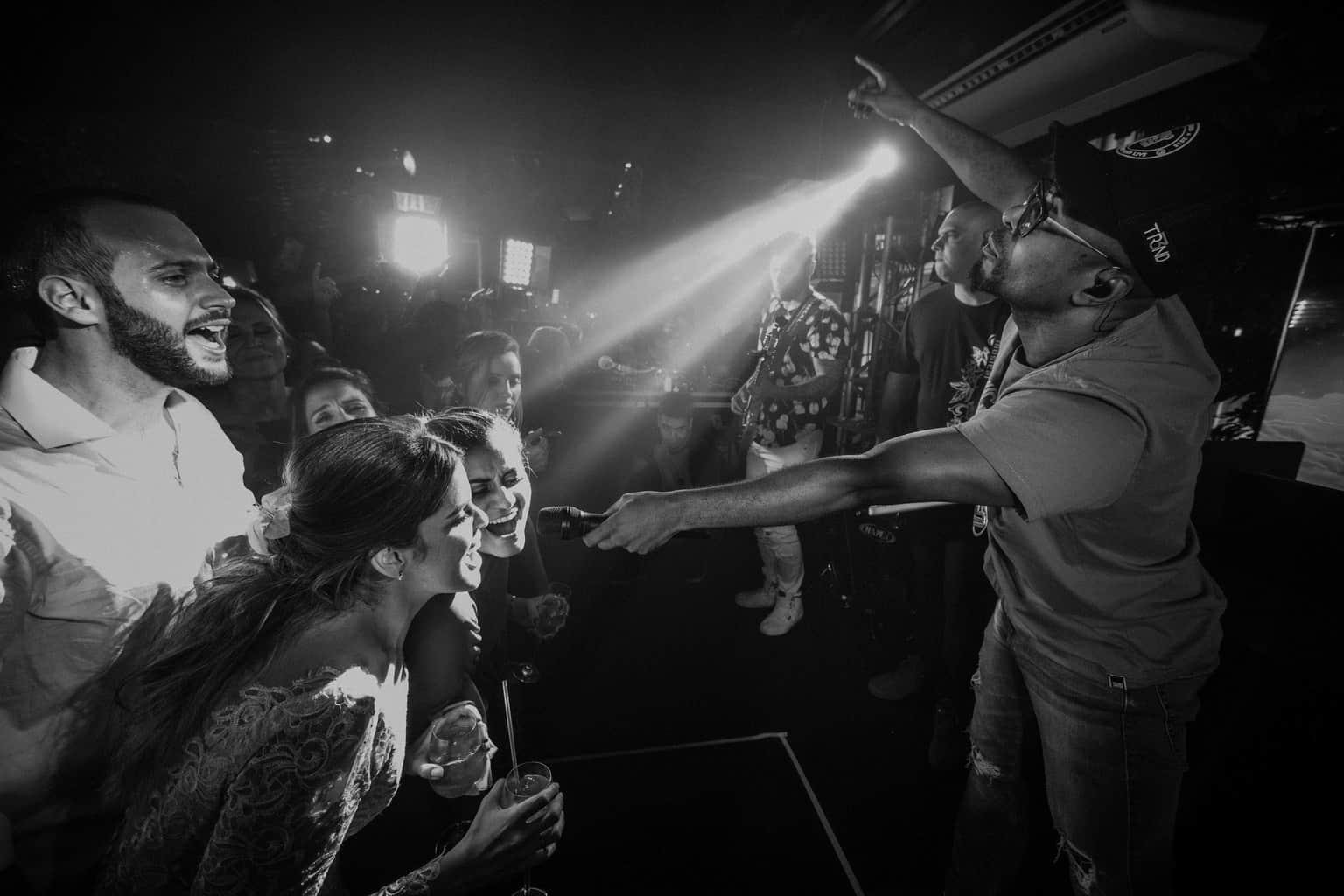 bochecha-casamento-na-serra-festa-de-casamento-Fotografia-Renata-Xavier-Les-Amies-Cerimonial-Locanda-Della-Mimosa-Natalia-e-Bruno646