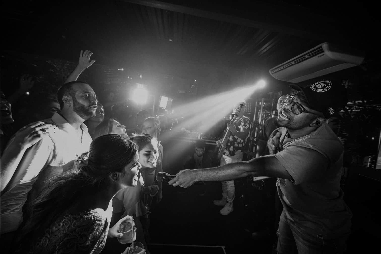 bochecha-casamento-na-serra-festa-de-casamento-Fotografia-Renata-Xavier-Les-Amies-Cerimonial-Locanda-Della-Mimosa-Natalia-e-Bruno649