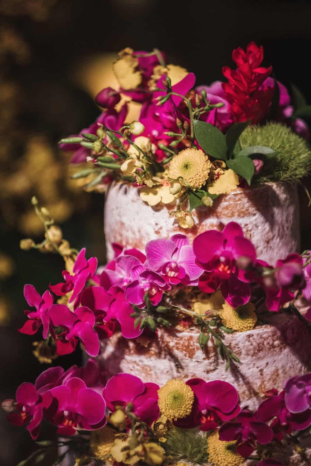 bolo-de-casamento-casamento-na-serra-Fotografia-Renata-Xavier-Les-Amies-Cerimonial-Locanda-Della-Mimosa-mesa-de-doces-Natalia-e-Bruno545
