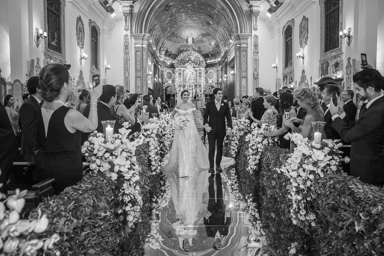 casamento-Natalia-e-Thiago-cerimonia-na-igreja-Fotografia-Cissa-sannomya-Igreja-Nossa-Senhora-do-Brasil102-1