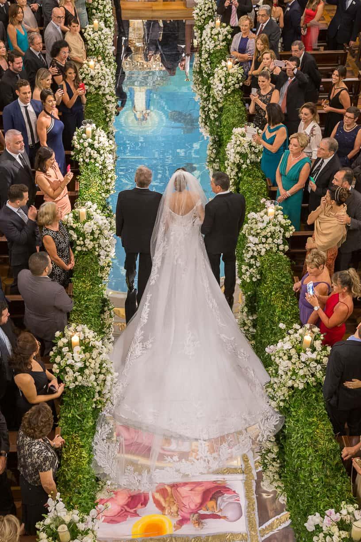 casamento-Natalia-e-Thiago-cerimonia-na-igreja-entrada-da-noiva-Fotografia-Cissa-sannomya-Igreja-Nossa-Senhora-do-Brasil69