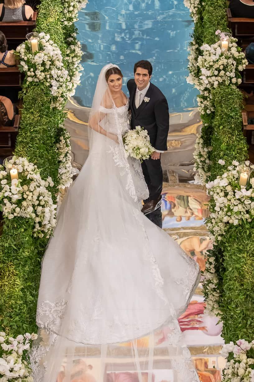 casamento-Natalia-e-Thiago-cerimonia-na-igreja-foto-do-casal-Fotografia-Cissa-sannomya-fotos-dos-noivos-no-altar-Igreja-Nossa-Senhora-do-Brasil120