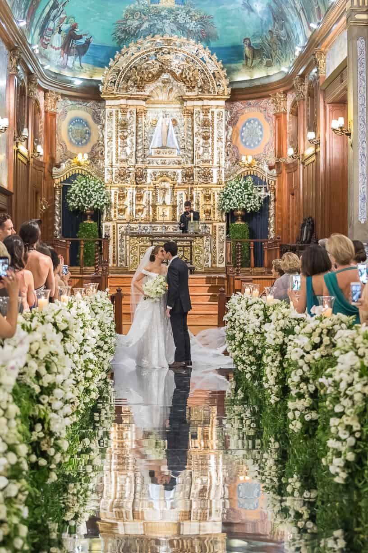 casamento-Natalia-e-Thiago-cerimonia-na-igreja-foto-dos-noivos-Fotografia-Cissa-sannomya-fotos-dos-noivos-no-altar-Igreja-Nossa-Senhora-do-Brasil101